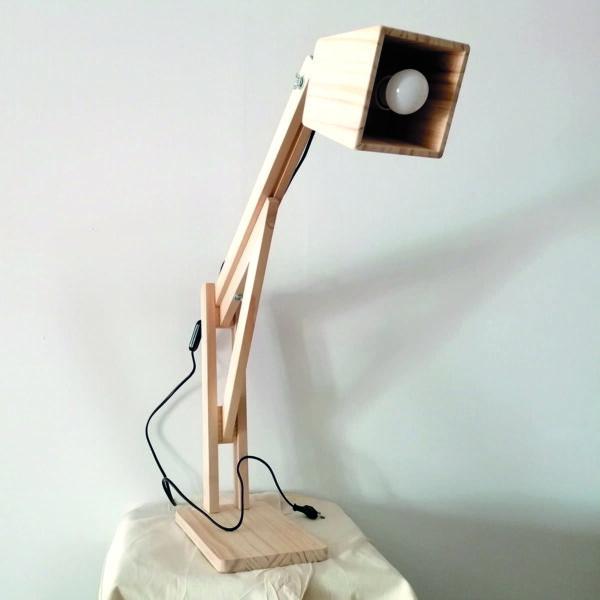 _C_23 Lámpara extensible de madera
